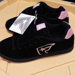 DC/Famous stars and straps blk suede ladies shoes